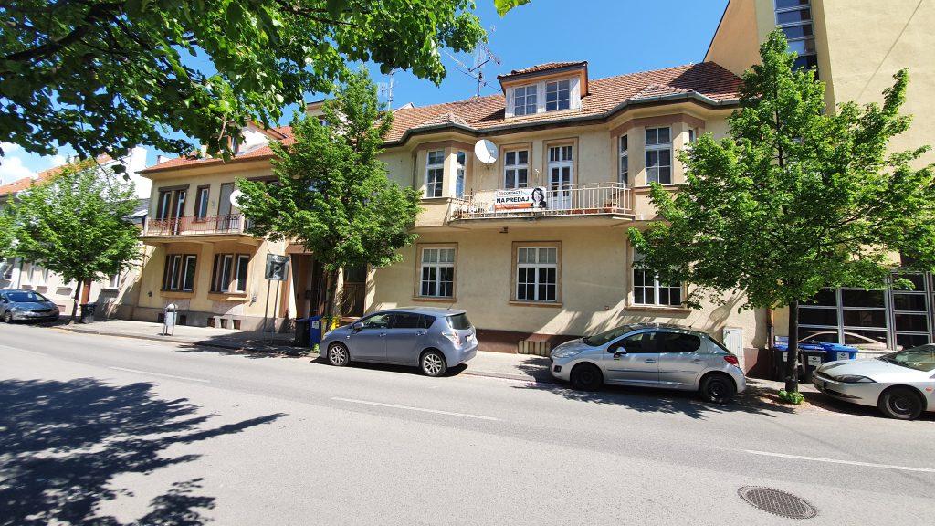 Príbeh predaja meštiackeho rodinného domu v centre mesta Piešťany.